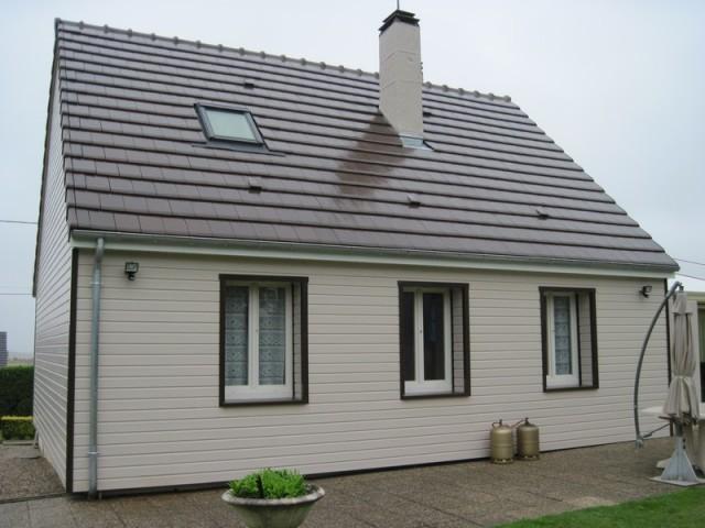 Maison bardage bois gris maison 4 pans gilley en douglas en red cedar ou en - Maison bardage composite ...